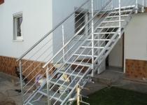 Außentreppe mit Geländer feuerverzinkt