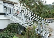 Außentreppe feuerverzinkt, Handlauf aus Edelstahl