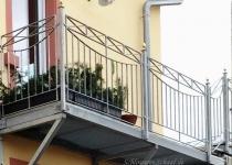 Balkon Geländer aud feuerverzinktem Stahl- Schlosserei Schaaf