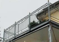 Balkon Geländer aud feuerverzinktem Stahl