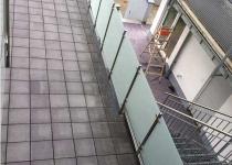 Edelstahl Geländer mit Milchglas  und Treppe - Schlosserei Schaaf