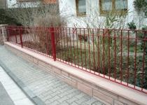 Zaunanlage feuerverzinkt und pulverbeschichtet (rot)