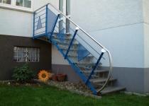 Feuerverzinkte Außentreppe, Geländer feuerverzinkt und blau lackiert, Edelstahlhandlauf