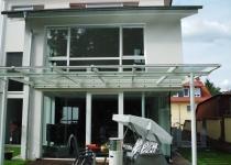 Terrassenüberdachung aus Glas